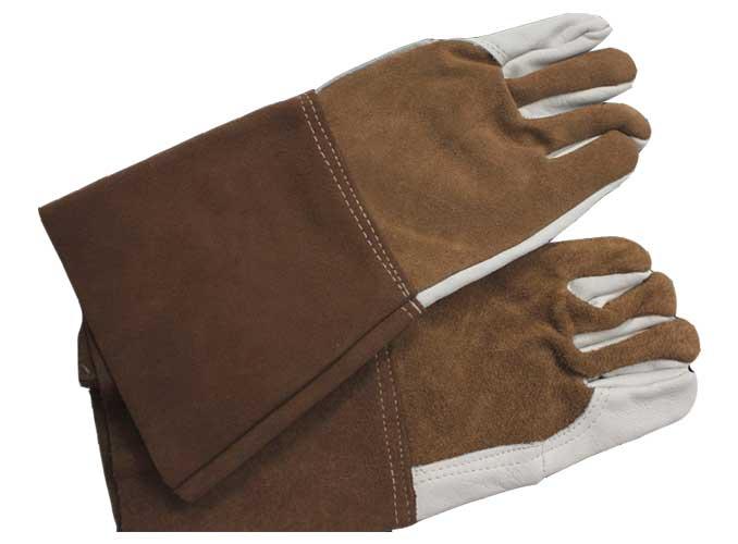 Guanti rinforzati interamente nel palmo e nelle dita per un un ottimo confort anche durante impieghi gravosi.